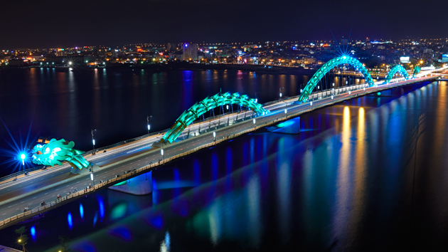 Philips LEDs bringing prosperity to Da Nang - lighting a dragon