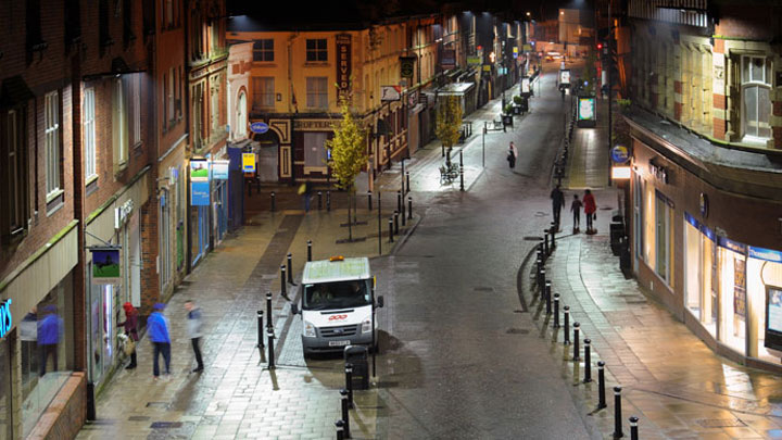Wigan Town Centre uses energy efficient Philips LED city lighting to create a bright, safe environment